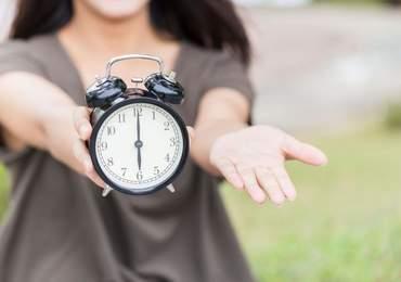 Zamana dair sorularınız varsa cevabı da var, siz de biliyorsunuz ama korkuyorsunuz. Çünkü eyleme geçmek demek bu ve eyleme geçmenin tam zamanı.