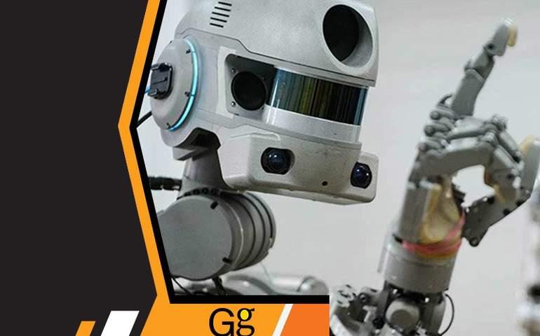 Robot Refakatçi